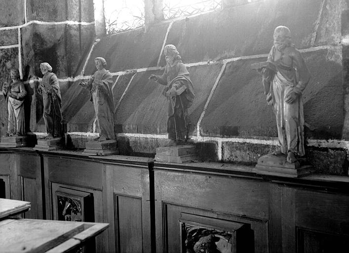 Cinq statuettes en bois : Apôtres