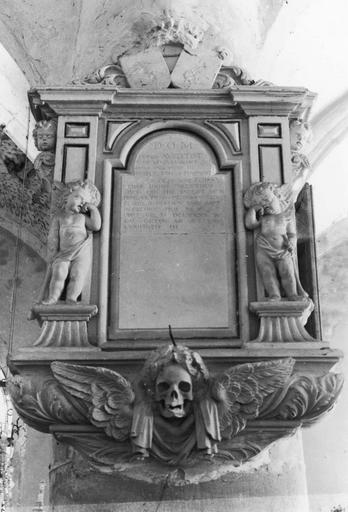 Plaque funéraire de Pierre Aubertot et de Françoise Foissy, pierre