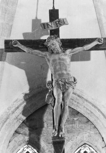 Groupe sculpté : Christ en croix, la Vierge et saint Jean (Le)