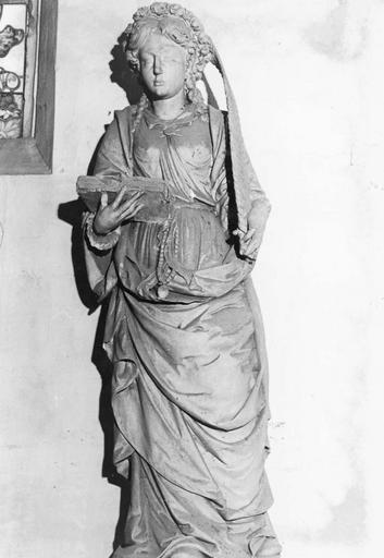 Statue : Sainte martyre au livre