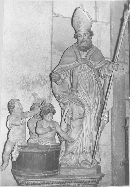groupe sculpté : Saint Nicolas