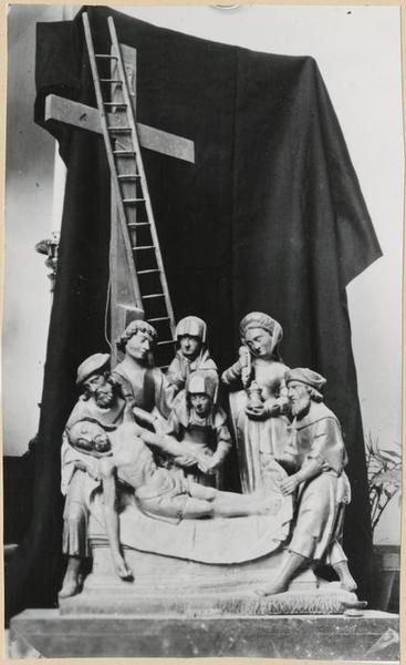 Groupe sculpté : la Mise au tombeau