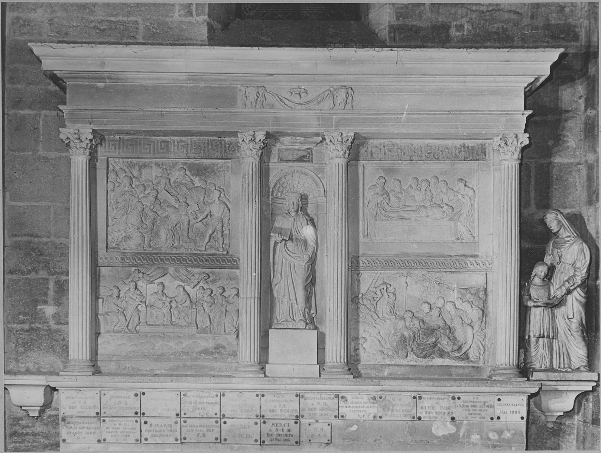 Retable, 4 bas-reliefs, statue : Scènes de la Passion, Sainte