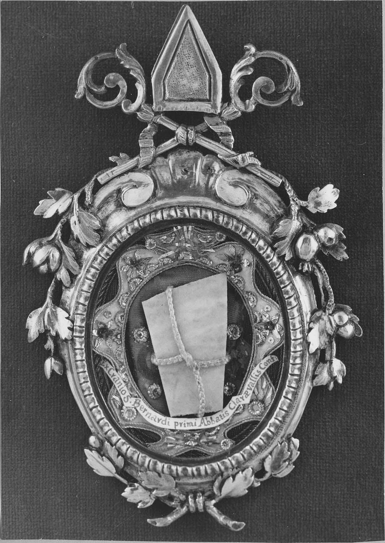 Tableau-reliquaire (médaillon-reliquaire) de saint Bernard