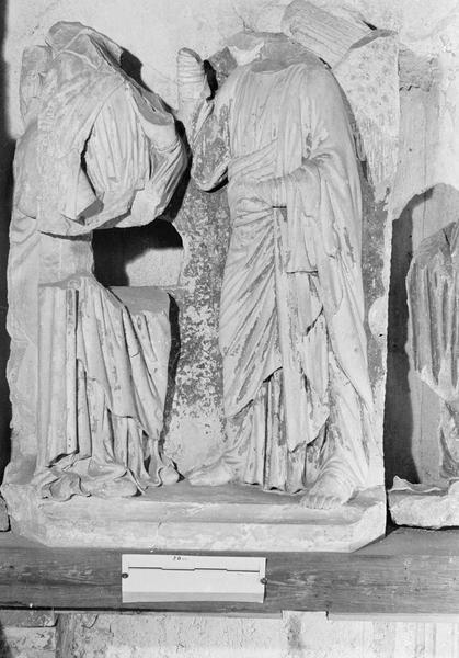 Jubé du 13e siècle, haut-relief : Annonciation