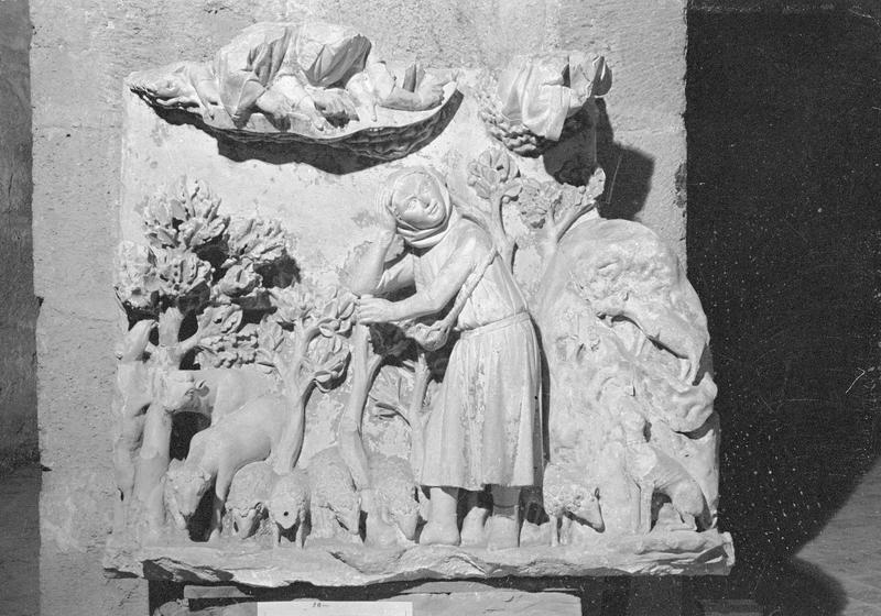 Jubé du 13e siècle, haut-relief : Annonce aux bergers