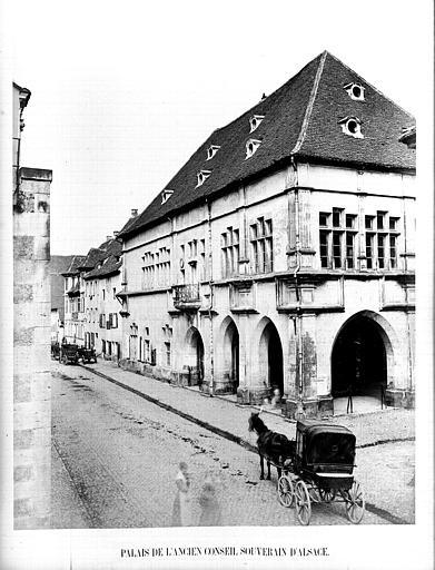 Conseil souverain (ancien) ; Hôtel de Ville
