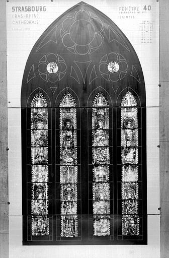 Photomontage de vitrail : baie XL , saintes diverses