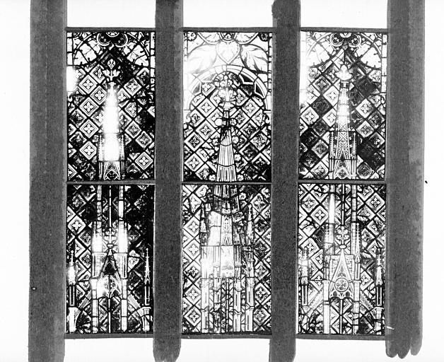 Photomontage de vitrail : baies III et IV, fragments