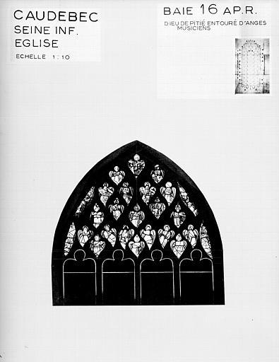 Photomontage de vitrail : baie 16, Christ en croix entouré d'anges, état après restauration