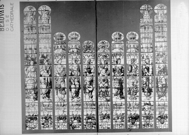 Photomontage de vitrail : baie D23, les Sibylles, état avant restauration