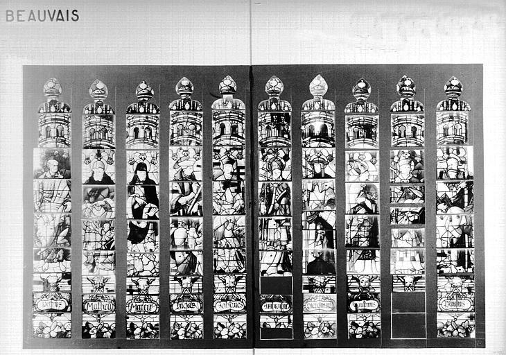 Photomontage de vitrail : baie C20, saint Pierre et saint Paul, quatre évangélistes et quatre pères de l'Eglise, état avant restauration