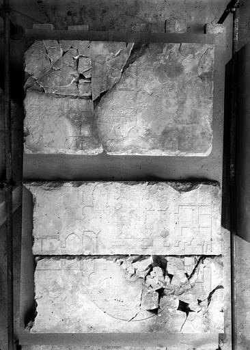 Déambulatoire de la crypte : dégagement des substructions de l'abside de la crypte carolingienne vers le sud-ouest