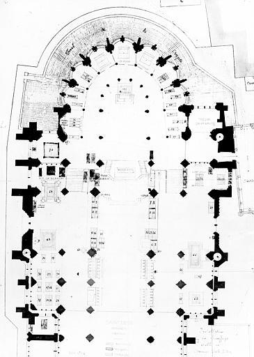 Plan du choeur et du transept avec le nouvel aménagement des tombeaux, projet