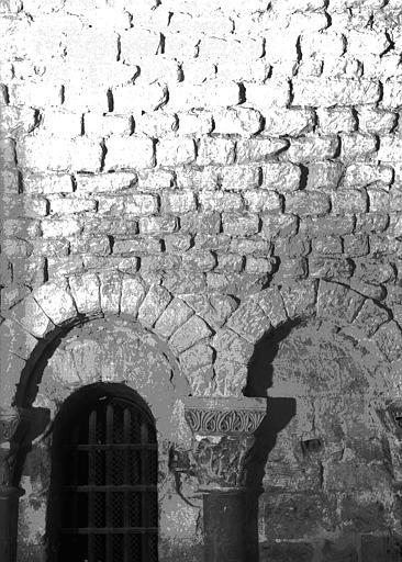 Crypte, chapelle de Hilduin : détails de l'appareil carolingien