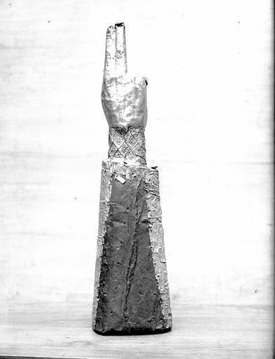 Bras reliquaire de saint Vincent : côté dos, état avant restauration