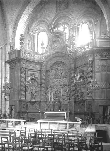 Retable du maître-autel, bois sculpté
