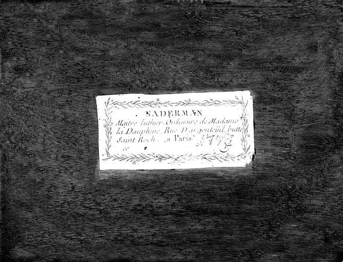 Harpe avec étiquette du lutier de Madame la Dauphine Marie-Antoinette