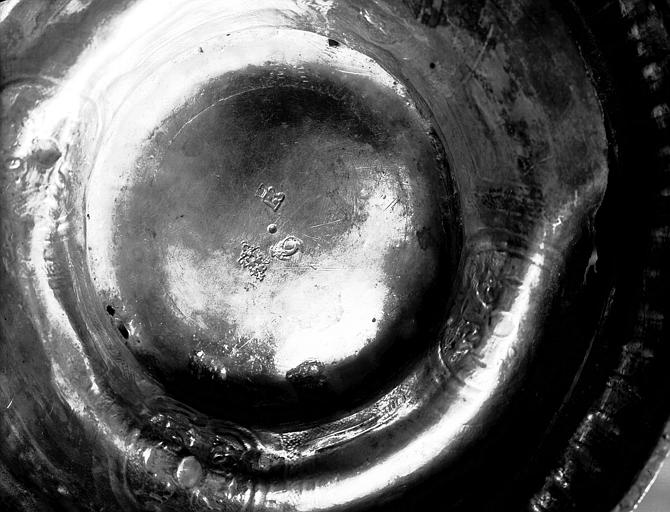 Seau à eau bénite : poinçons