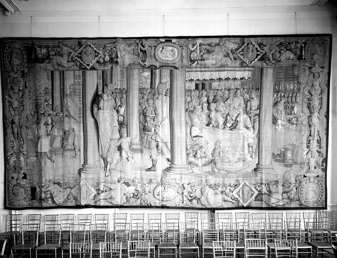 Tapisserie, atelier italien, anciennement conservée à Chambord : Scène de banquet, état après restauration