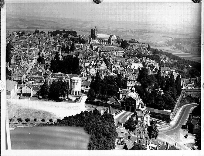 Vue aérienne prise le 5 août 1937 à 10 h15, 100 mètres, 26 à main, observation de Saint-Verney