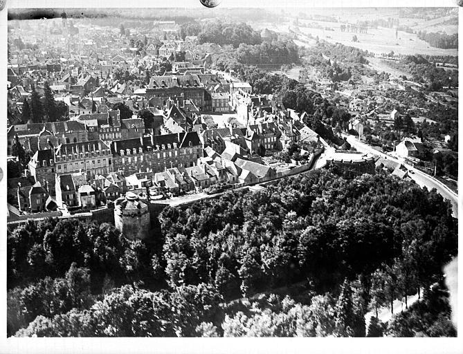 Vue aérienne, base aéronautique de Dijon, prise le 18 août 1937 à 13 h 00, 50 mètres, 26 à main, observation de Saint-Verney