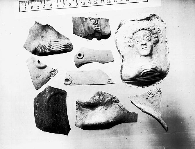 Tesson de poteries ornés