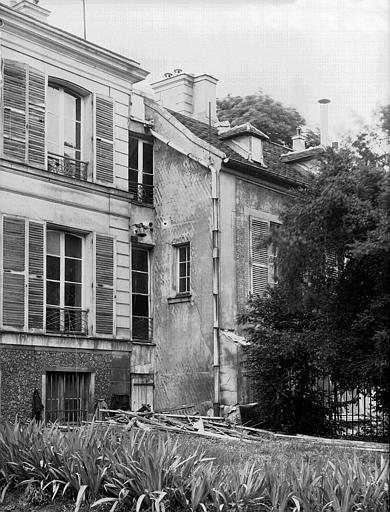 Jonction de deux corps de bâtiments