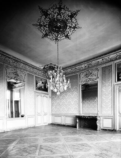 Premier étage : troisième salon