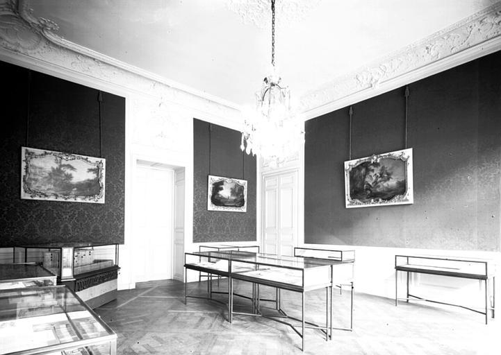 Salon du premier étage affecté au musée