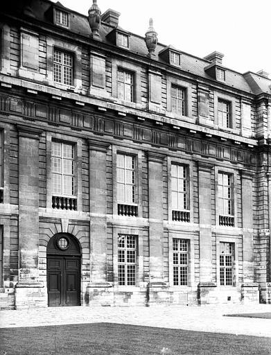Pavillon de la Reine : partie centrale