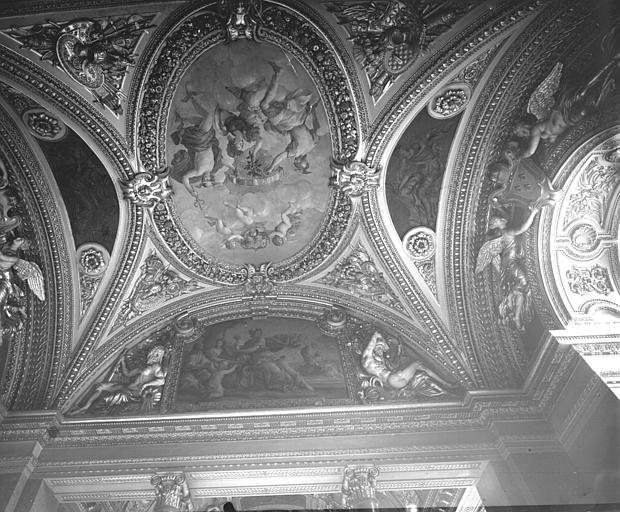 Salon de la Paix : plafond peint Romanelli et stucs d'Anguier