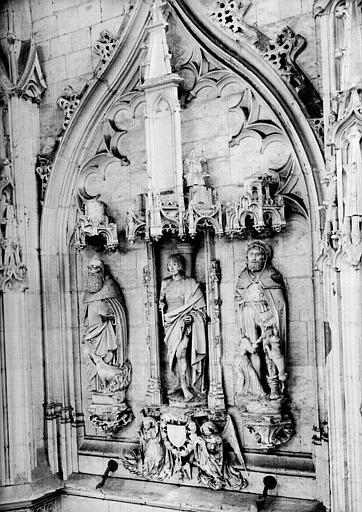 Croisillon sud, statues en pierre : saint Antoine, saint Sébastien, saint Roch