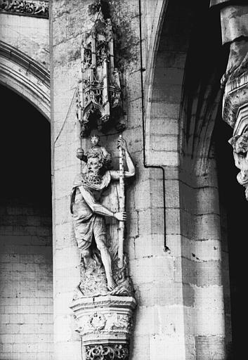 Croisillon sud, statue en pierre : saint Christophe