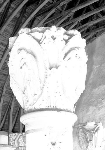 Chapiteau du choeur : troisième et quatrième ton