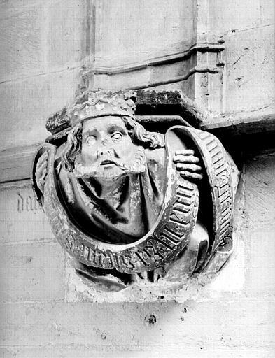Chapelle de Bourbon : intérieur, culot à personnage, tête de Roi (David supposé), abside