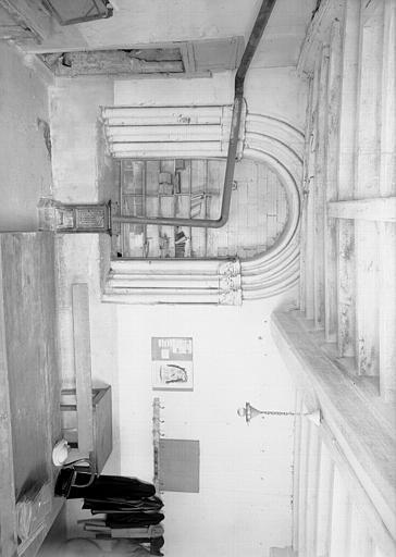 Salle capitulaire : baie centrale vue de la galerie est et du cloître
