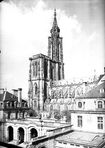 Palais des Rohan, actuellement Musée archéologique et Musée des Beaux Arts et Arts Décoratifs