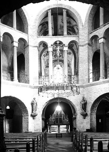 Intérieur, arcades est de l'octogone