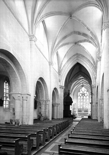 Choeur et la nef vers l'est, restauration terminée