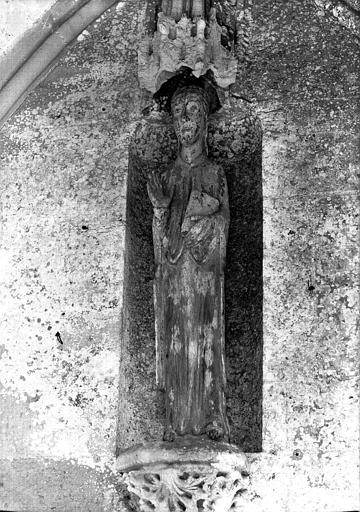 Statue en bois : sainte Suzanne
