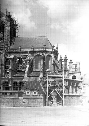 Restauration de l'abside et de la tour de la croisée