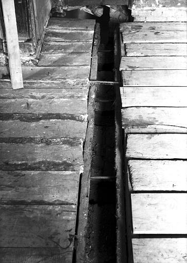 Deuxième étage, restauration du plancher