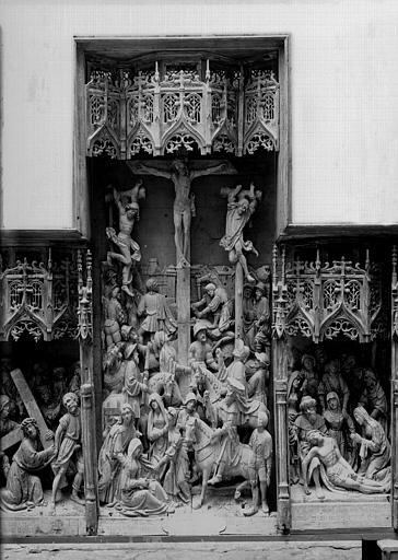 Retable en bois sculpté, école flamande, partie centrale : Crucifixion