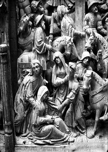 Retable en bois sculpté, école flamande, partie centrale : détails de la Pâmoison de la Vierge