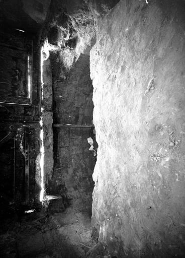 Chapelle du collatéral sud du choeur : dégagement de l'hémicycle absidal