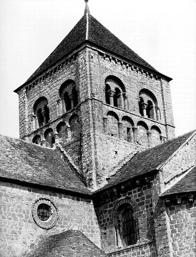 Extérieur : tour de la croisée, angle sud-est