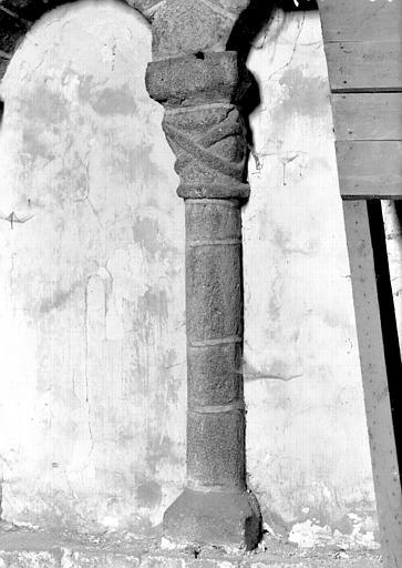 Croisillon nord : arcature du mur ouest, une colonnette