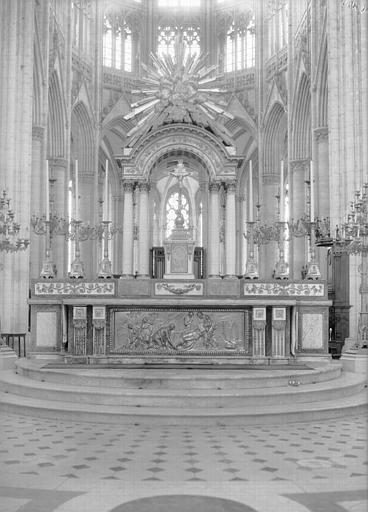 Croisée, maître-autel double en marbre et bronze