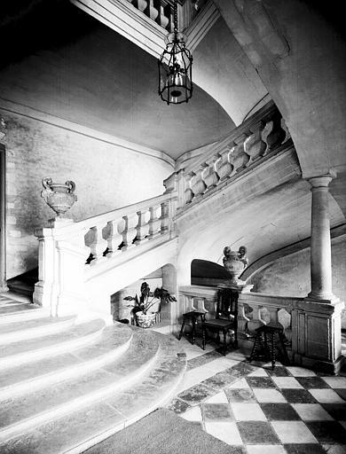 Départ d'escalier